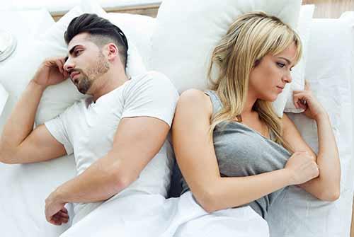 משברים במערכות יחסים -הביטו פנימה איש לתוך עצמו